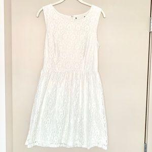 ✨BEAUTIFUL Off White Lace Dress✨